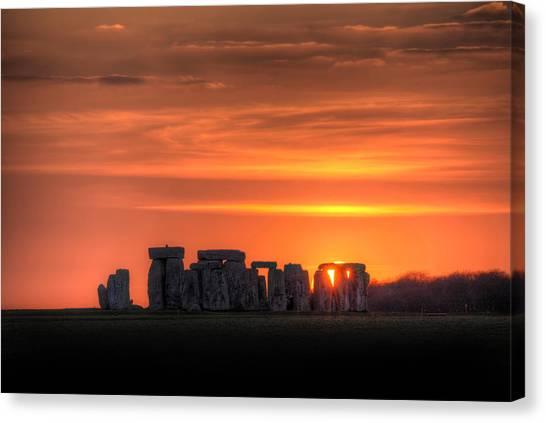 Stonehenge Sunset Canvas Print by Simon West