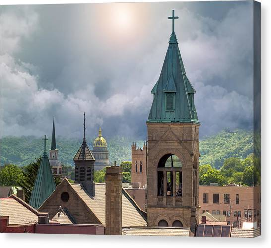 Storm Clouds In Charleston Wv Canvas Print