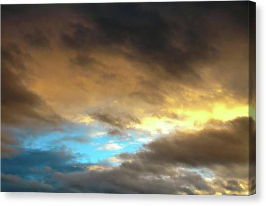 Stratus Clouds At Sunset Bring Serenity Canvas Print