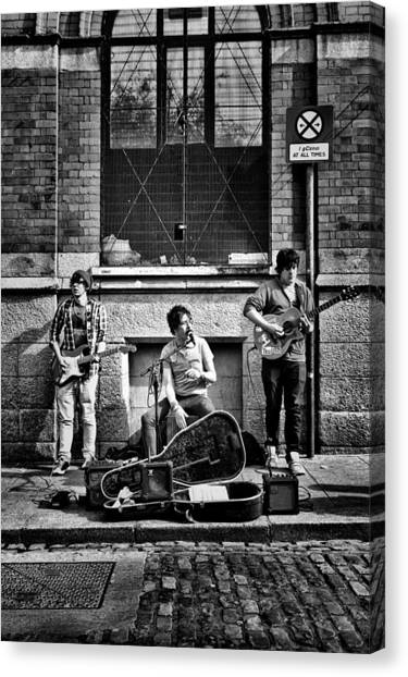 Street Entertainers Canvas Print