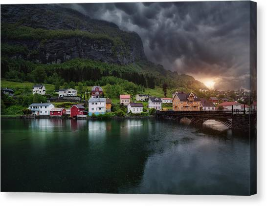 Mountain Sunset Canvas Print - Stryn by Juan Pablo De