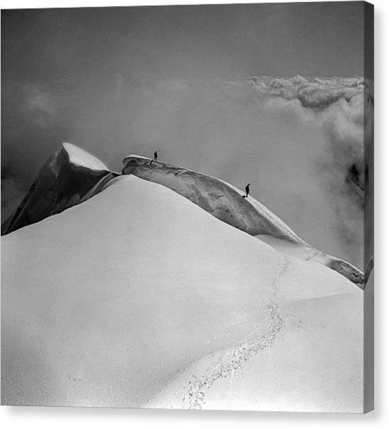 T-702412-bw-summit Of Mt. Robson Canvas Print