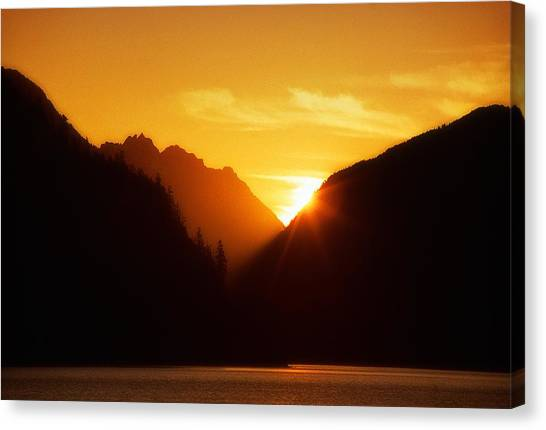 Sun Set Over The Lake Canvas Print