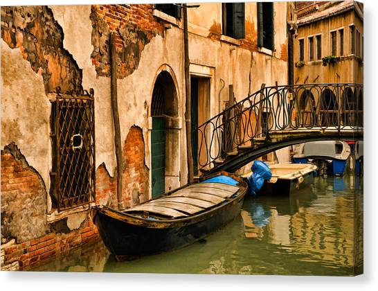 Sunday In Venice Canvas Print
