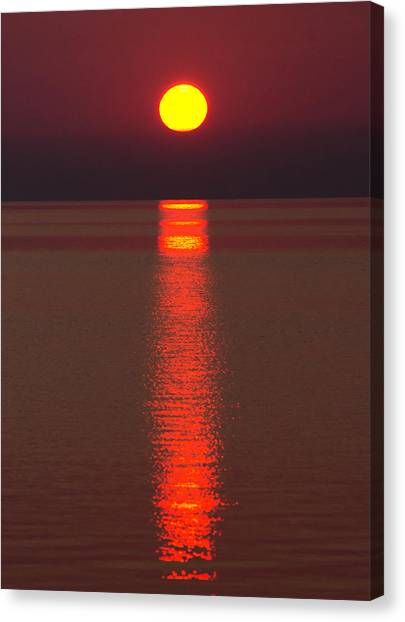 St Clair Canvas Print - Sunrise And Reflection by Cale Best