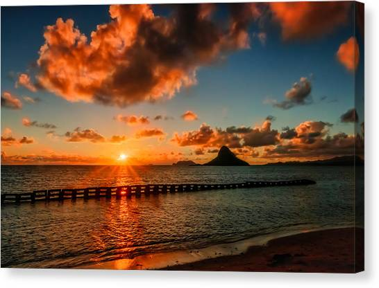 Sunrise At Hawaii Chainaman's Hat Canvas Print