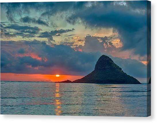 Sunrise At Kualoa Park Canvas Print