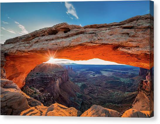 Sunrise At Mesa Arch Canvas Print by Michael Zheng