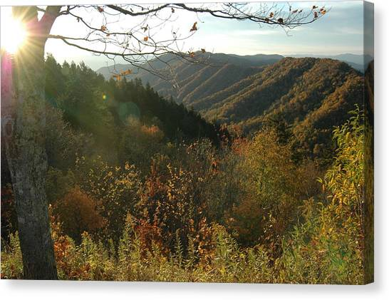 Sunrise At New Found Gap Canvas Print by John Saunders