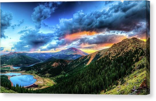 Sunrise At Pikes Peak Canvas Print