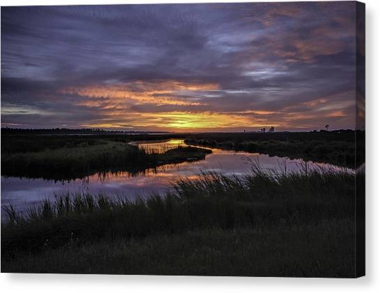 Sunrise On Lake Shelby Canvas Print