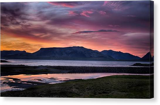 Sunrise On The Snaefellsnes Peninsula In Iceland Canvas Print