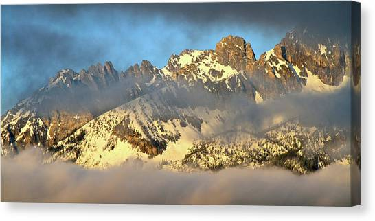 Sunrise On Thompson Peak Canvas Print
