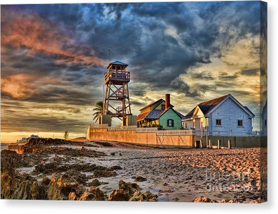 Sunrise Over The House Of Refuge On Hutchinson Island Canvas Print