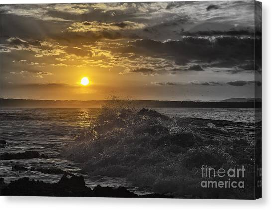 Sunset At The Ocean Canvas Print