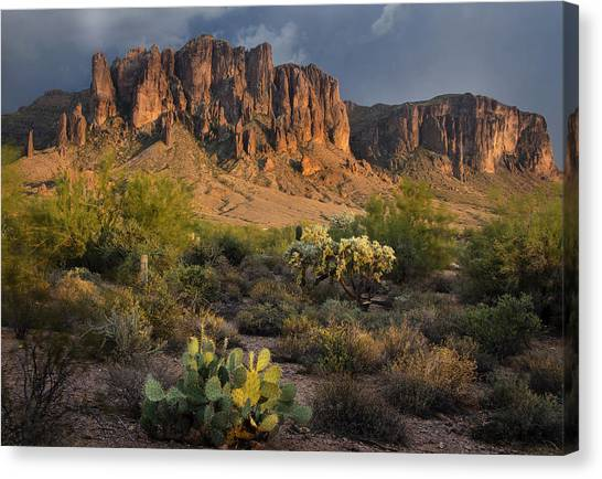 Sunset At The Superstition Mountains Canvas Print