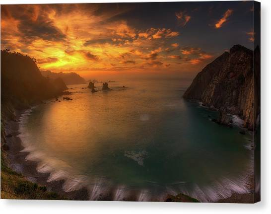 Sunset In Silence Canvas Print by Alfonso Maseda Varela