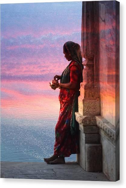 Sunset Lake Colorful Woman Rajasthani Udaipur India Canvas Print