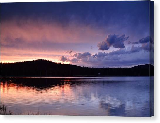 Sunset Of Fire And Ice Canvas Print by Rich Rauenzahn