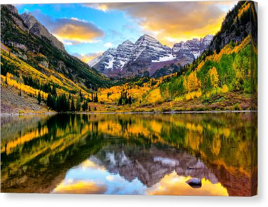Sunset On Maroon Bells Canvas Print