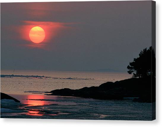 Sunset Horizon Canvas Print - Sunset Over Sea by Pekka Parviainen/science Photo Library