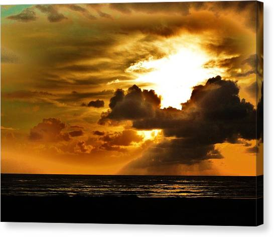 Sunset Over The Pacific II Canvas Print by Helen Carson