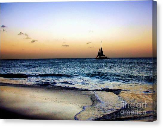 Sunset Sailing In Aruba Canvas Print