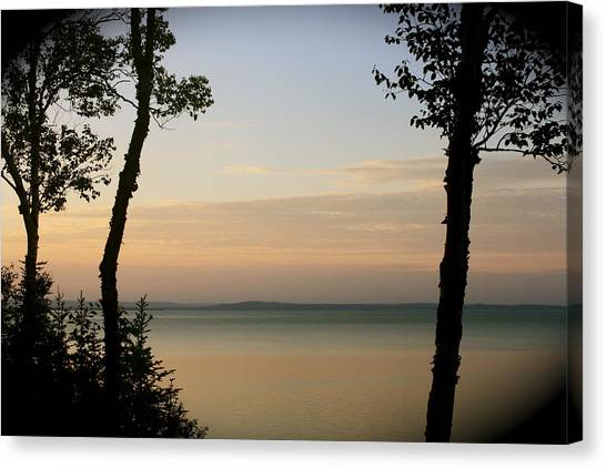 Sunsets On The Bay Of Fundy Canvas Print