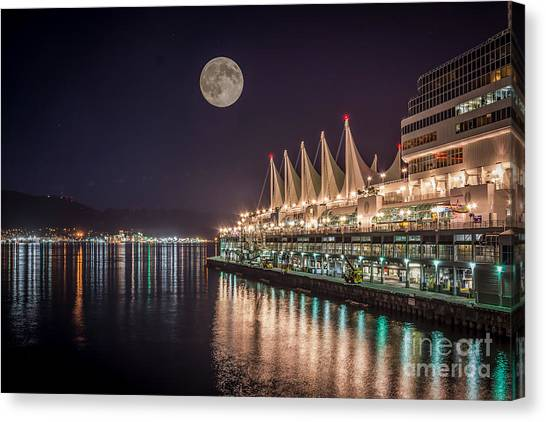 Super Moon Over Canada Place Vancouver - By Sabine Edrissi Canvas Print
