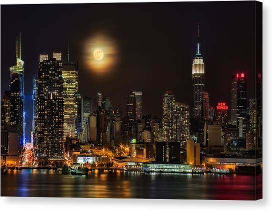 Susan Canvas Print - Super Moon Over Nyc by Susan Candelario