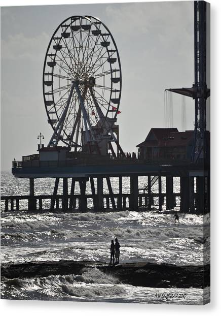 Surfer And Lovers At Pleasure Pier Canvas Print