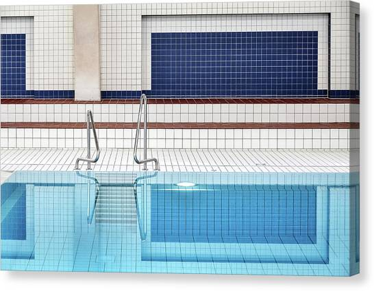 Grid Canvas Print - Swimming by Renate Reichert
