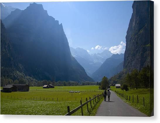 Swiss Hikers In Lauterbrunnen Switzerland Canvas Print
