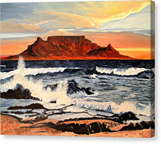 Table Mountain At Sunset Canvas Print