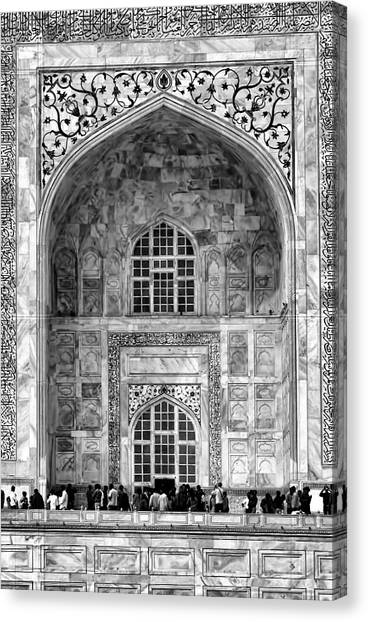 Taj Mahal Close Up In Black And White Canvas Print
