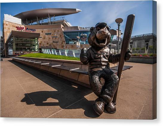 T.c. Statue And Target Field Canvas Print