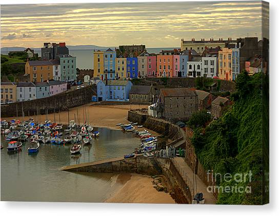 Tenby Harbour In The Morning Canvas Print