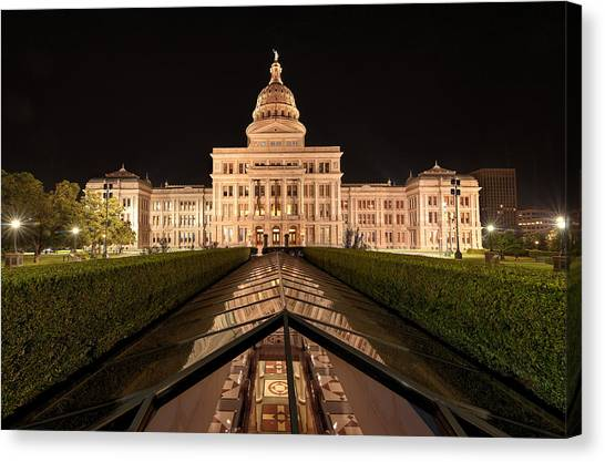 Texas State Capitol Building At Night Canvas Print