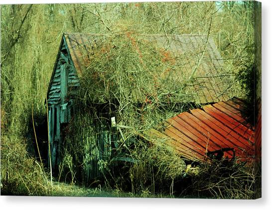 That Old Barn Canvas Print