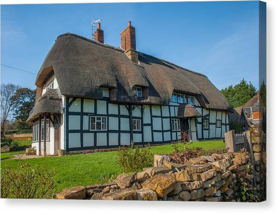 Thatched Cottage Ashton Under Hill Worcestershire Canvas Print by David Ross