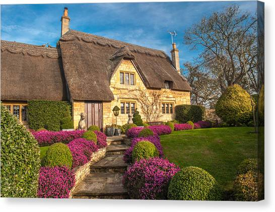 Thatched Cottage Chipping Campden Cotswolds Canvas Print by David Ross