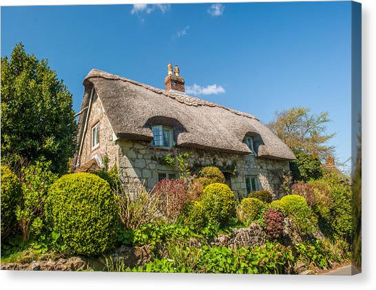 Thatched Cottage Niton Isle Of Wight Canvas Print by David Ross