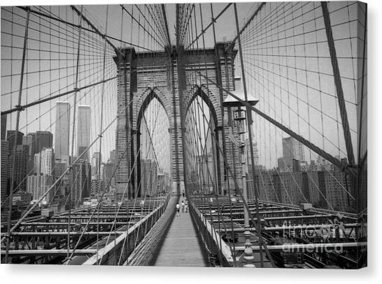 The Brooklyn Bridge Before Nine Eleven Canvas Print