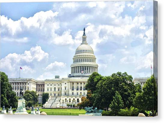The Capitol Building Canvas Print by Sandra Welpman
