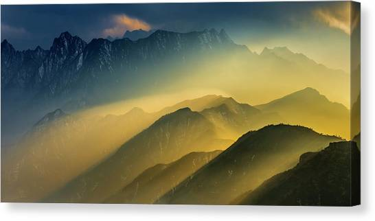 Mountain Sunsets Canvas Print - The Cattle-back Mountain Sunset by Hua Zhu