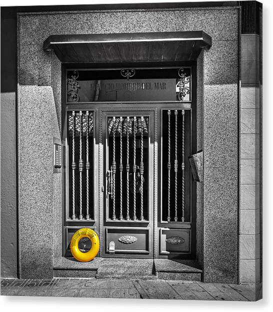 Canvas Print featuring the photograph The Doorway. by Gary Gillette