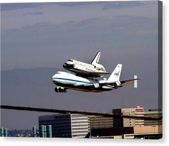 The Endeavor And Her 747 Final Landing At Lax Canvas Print