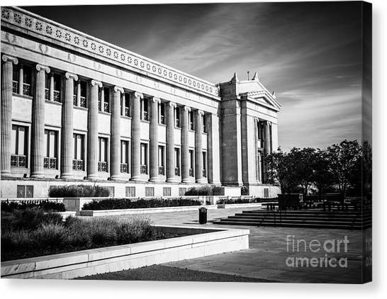 Natural History Museum Canvas Print - The Field Museum In Chicago In Black And White by Paul Velgos