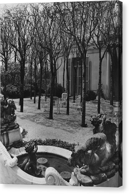 The Garden Of A Home In Meridian Hill Canvas Print