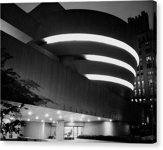 The Guggenheim Museum In New York City Canvas Print